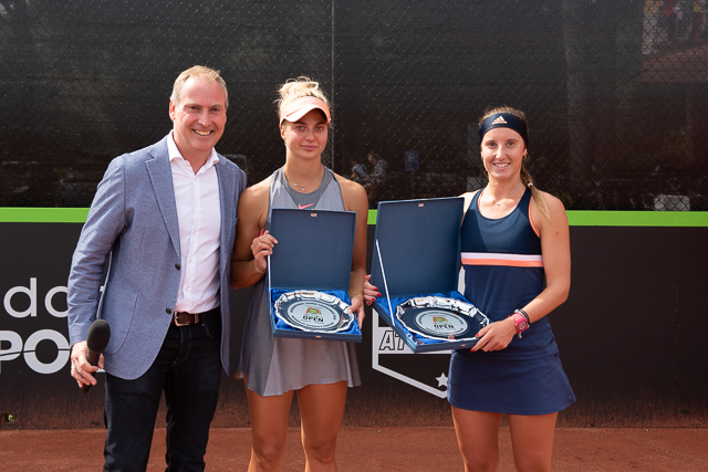 Raymond Schot, runner up Sviatlana Pirazhenka and winner Marina Bassols Ribera
